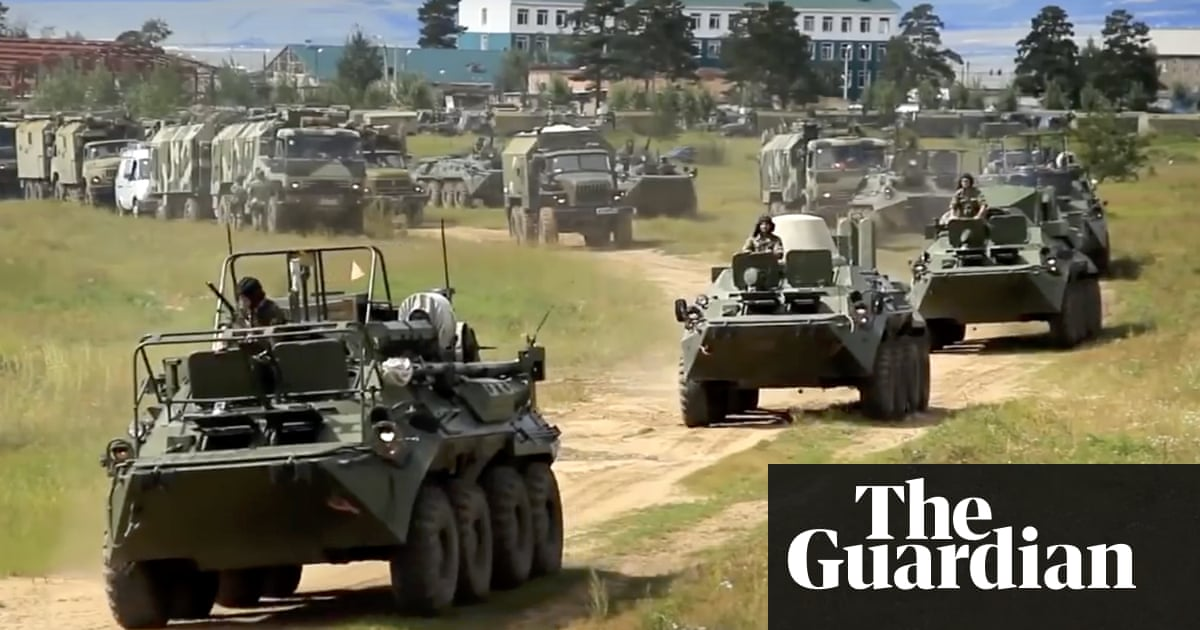 Russia begins its largest ever military exercise with 300,000 soldiers