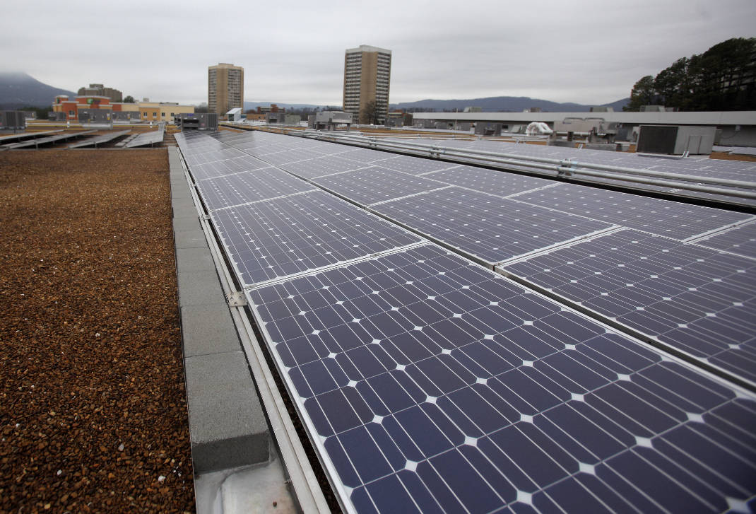 BlueCross BlueShield to install 10000 solar panels to power ...