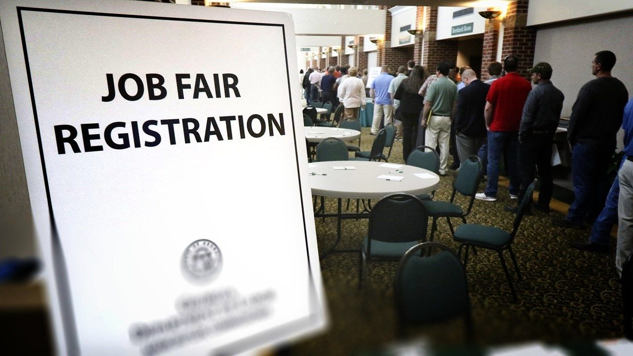 Job fair seeks to hire 2000 in Chattanooga - WRCB-TV