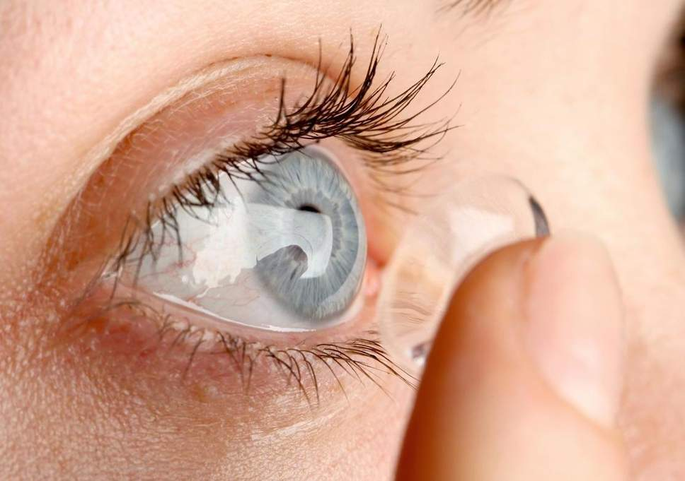 Care for Eyes: Never sleep wearing contact lenses: can cause permanent blindness - Dekh News