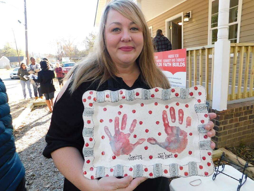 East Brainerd pottery studio helps new Habitat homeowners turn house into home with free, personalized art - Chattanooga Times Free Press